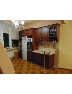 Фото 1.Кухня с фасадами из профиля МДФ AGT орех итальянский с патиной
